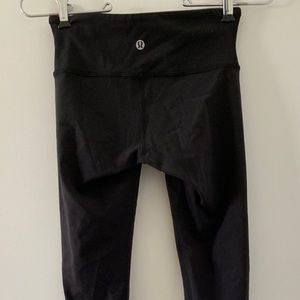 Lululemon Wunder Under Leggings - Size 2 - NWOT